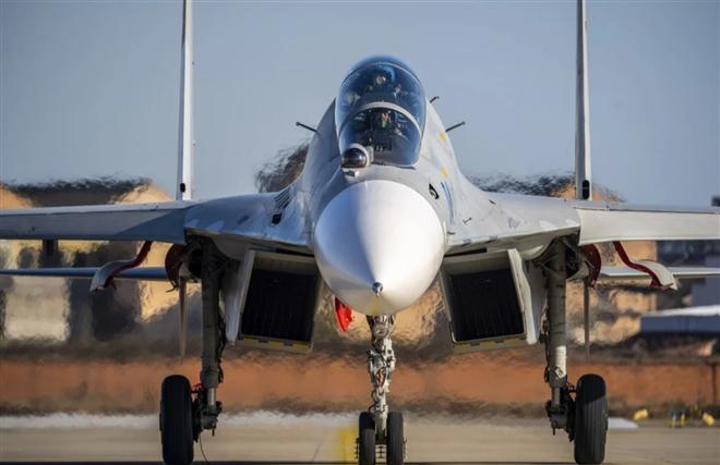 Vũ khí Trung Quốc 'ế ẩm' do căng thẳng Mỹ-Trung - 1