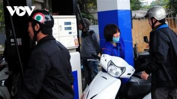 Giá xăng dầu liên tục tăng, nhiều mặt hàng nguy cơ tăng