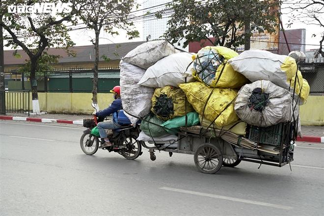 Ảnh: Xe 'thây ma' lộng hành ở Hà Nội đe doạ người dân, ngang nhiên qua mặt CSGT - 7