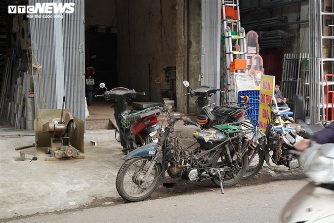 Ảnh: Xe 'thây ma' lộng hành ở Hà Nội đe doạ người dân, ngang nhiên qua mặt CSGT - 8