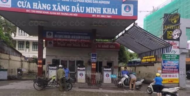 ba nhan vien ban xang dau moc tui khach 170 nghin dong