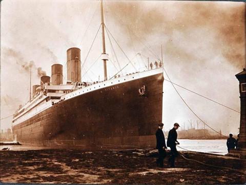 nhung buc anh ve con tau titanic xau so va chuyen di dinh menh