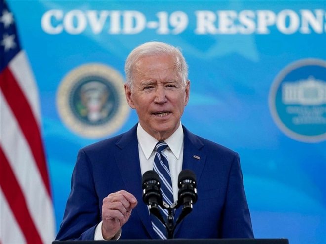 """Ông Biden cảnh báo Mỹ vẫn trong """"cuộc chiến sinh tử"""" với đại dịch COVID-19"""