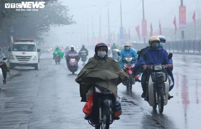 Bắc Bộ đón không khí lạnh, trời đổ mưa to, gió giật - 1