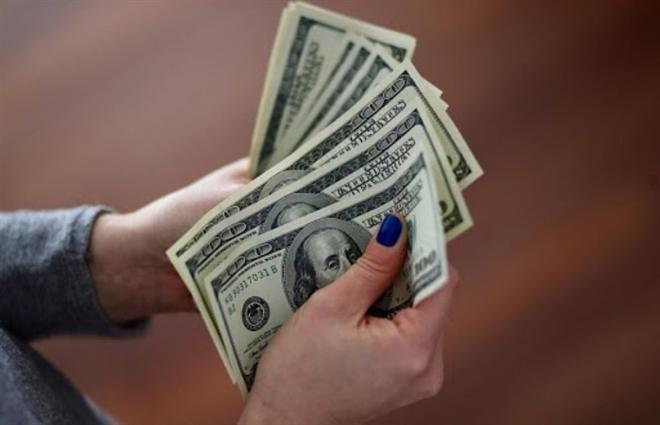 Tỷ giá USD hôm nay 17/4: USD tiếp tục dò đáy