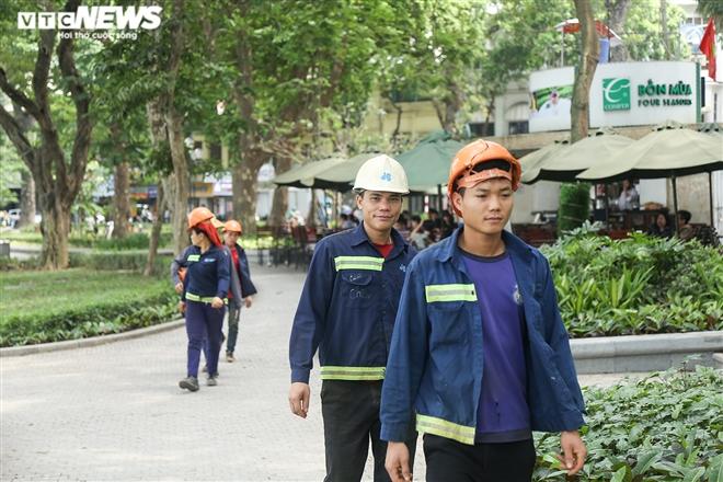 Dịch COVID-19 nguy cơ bùng phát, người Hà Nội vẫn vô tư không đeo khẩu trang - 4