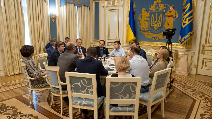 tan tong thong ukraine se trung cau dan y ve tien trinh dam phan voi nga
