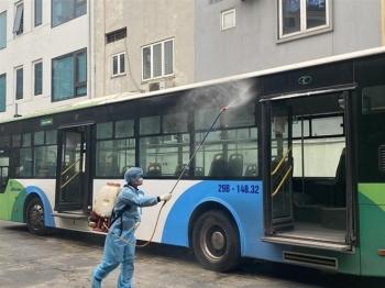 Hà Nội yêu cầu xe buýt, taxi không được chở khách quá 50% ghế ngồi
