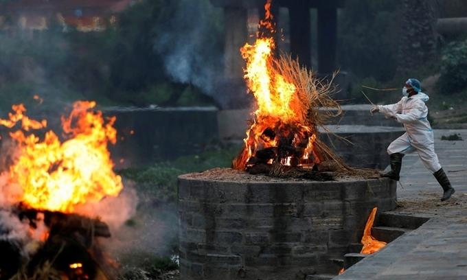 Sóng Covid Ấn Độ lan sang Nepal