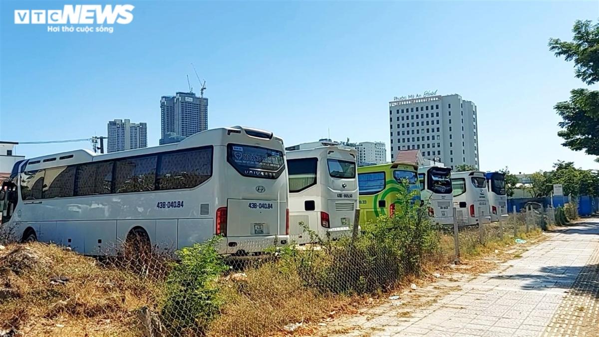 Nhân viên du lịch Đà Nẵng: Chuyển nghề làm shipper kiếm sống mà vẫn thất nghiệp - 3