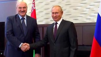 """Gặp ông Putin, Tổng thống Belarus cáo buộc phương Tây """"gây bất ổn'"""
