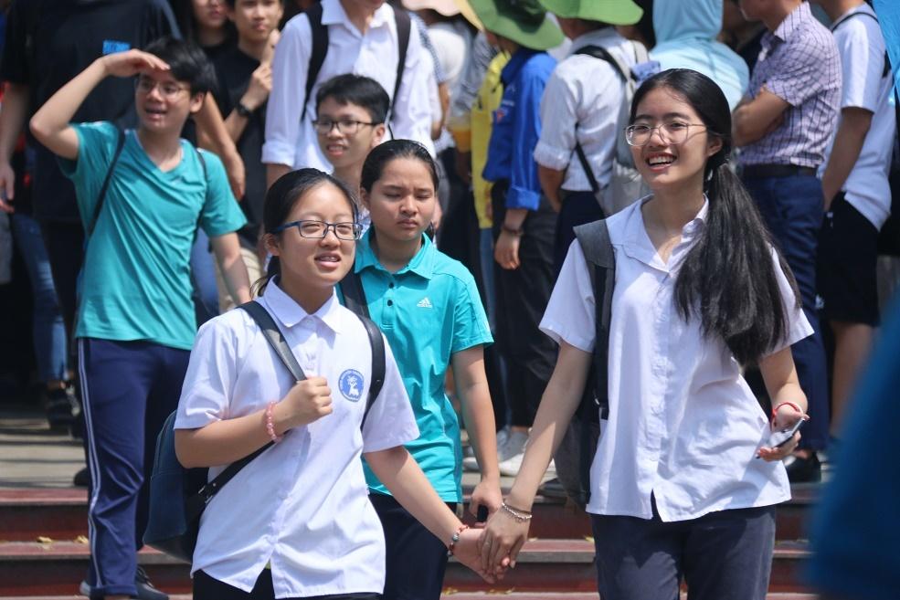truong chuyen khong phai su bat cong