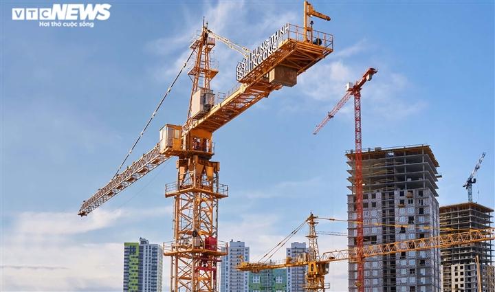 Giá thép tăng gần 50%, thị trường xây dựng náo loạn, nhiều nhà thầu gặp ác mộng