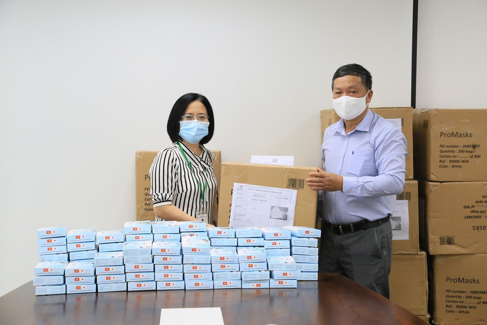 Công đoàn PV Trans tiếp tục cấp khẩu trang phòng chống dịch viêm đường hô hấp cho người lao động