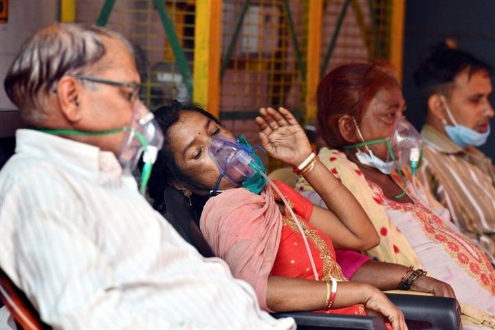 Địa ngục COVID-19 thành thiên đường cho những kẻ lừa đảo ở Ấn Độ