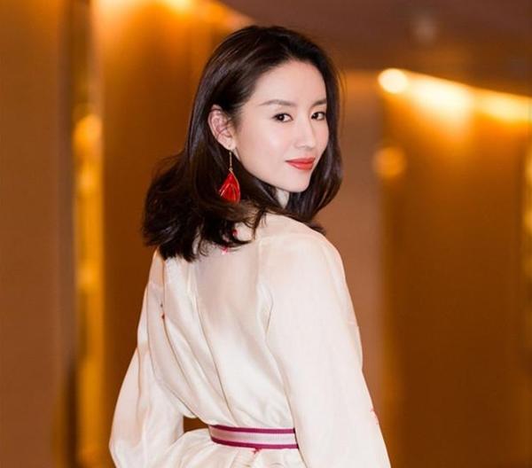 Vì sao Đổng Khiết bị đạo diễn Trương Nghệ Mưu 'cấm cửa'?  - 7