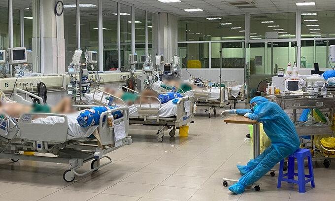 Áp lực ở phòng hồi sức tích cực viện Nhiệt đới