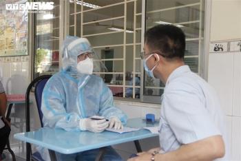 Chiến dịch tiêm vaccine lịch sử ở TP.HCM: Sợ không được tiêm hơn sợ tác dụng phụ