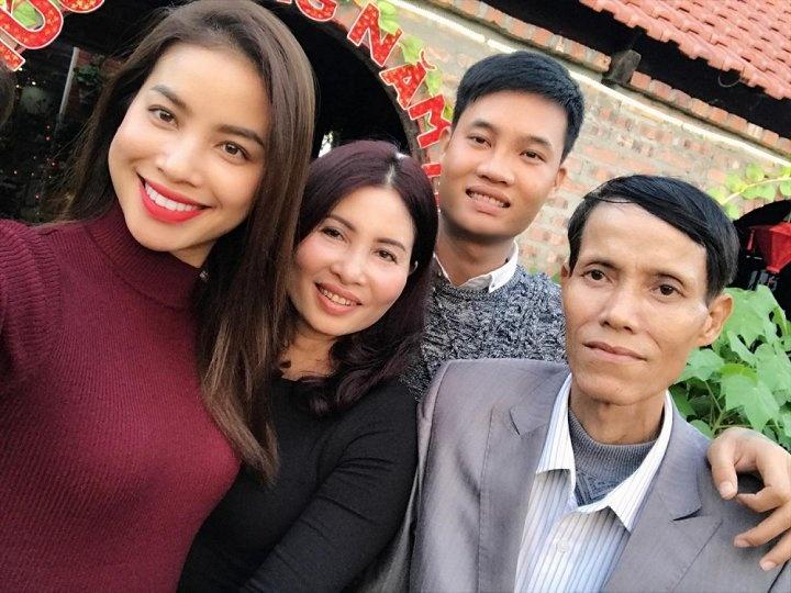ba cua hoa hau pham huong lam benh nang suc khoe chuyen bien xau
