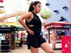 Lisa Zimouche: Cô gái tâng bóng điệu nghệ khiến Ronaldinho đứng hình