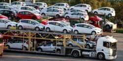 Gần 450 ô tô ngoại đổ bộ Việt Nam mỗi ngày