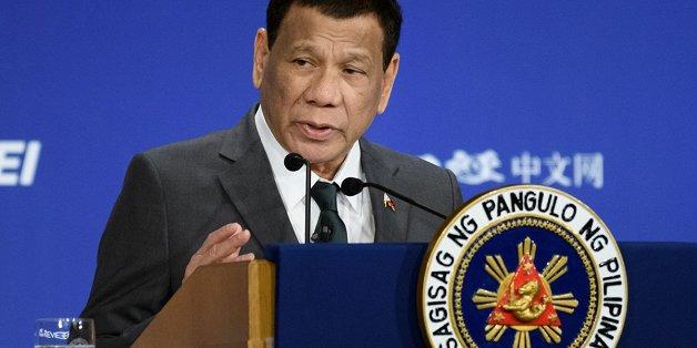 tong thong philippines se len tau cung do doc my de doi pho voi trung quoc
