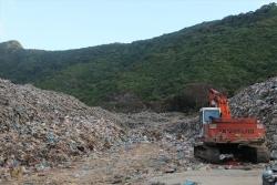 Hơn 70.000 tấn rác tồn đọng, Côn Đảo vẫn loay hoay xử lý