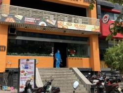 Một ca nghi nhiễm Covid-19 ở Hà Nội, phong tỏa một quán pizza
