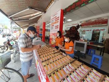 TP.HCM tạm dừng bán vé số và dịch vụ ăn uống mang về từ 0h ngày 9/7