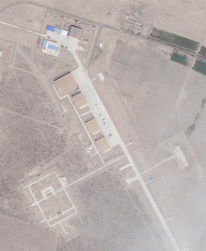 Bắt chước Mỹ xây dựng 'khu vực 51', Trung Quốc bí mật chế tạo vũ khí ở Tân Cương - 2