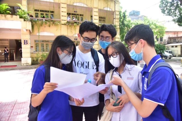 Điểm chuẩn đại học 2021 có chạm trần?