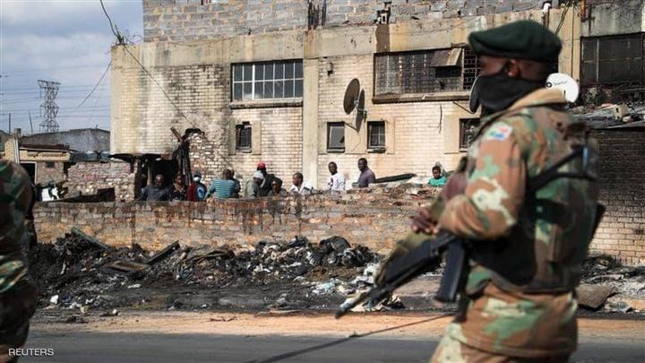 Bạo loạn ở Nam Phi khiến 276 người chết - 1