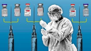 Tranh cãi việc tiêm vaccine pha trộn giữa các hãng