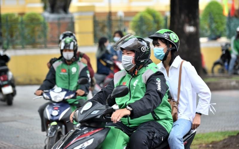 Hà Nội: Dừng hoạt động xe buýt, taxi, xe ôm công nghệ