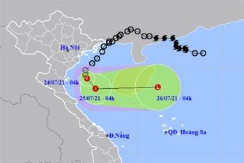 Áp thấp nhiệt đới cách Nam Định - Ninh Bình 120km, Bắc Bộ tiếp tục mưa lớn