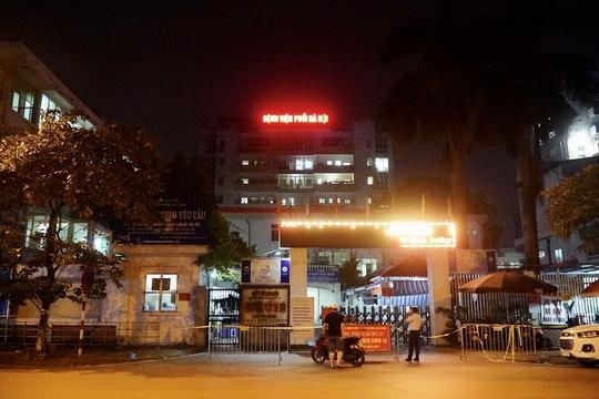 7 bệnh nhân và 2 nhân viên y tế Bệnh viện Phổi Hà Nội dương tính SARS-CoV-2