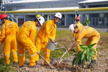 Công đoàn PV GAS khen thưởng các tập thể xuất sắc trong Tháng Công nhân