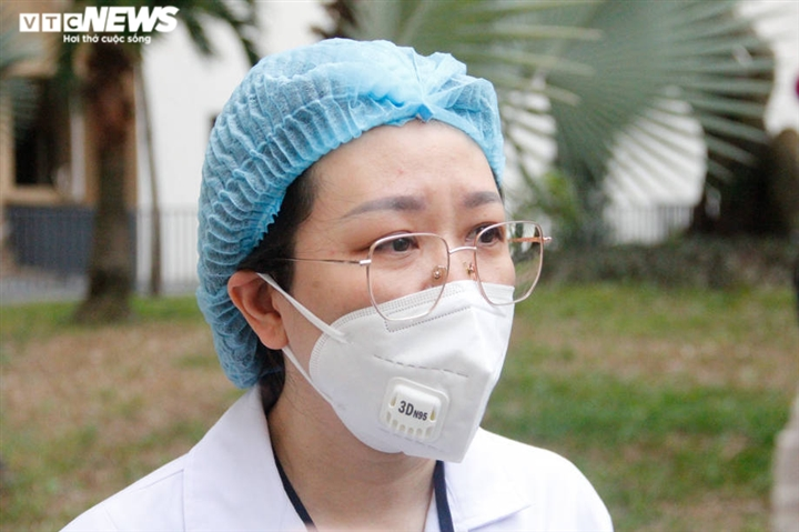 Nữ bác sĩ trong bệnh viện dã chiến TP.HCM: Nhiều khi nhớ con nước mắt lã chã rơi - 1