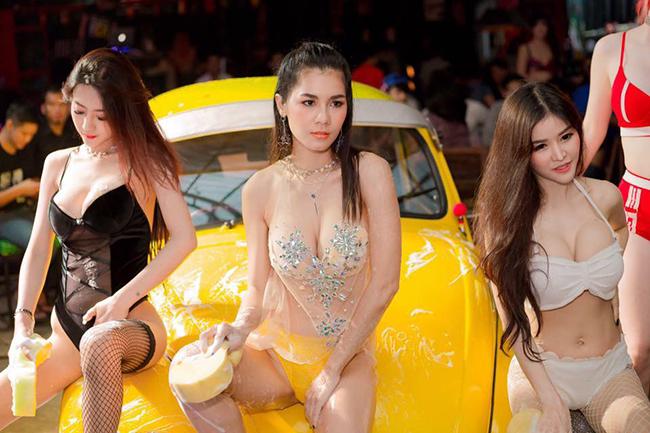 doi thuc cua my nu phim 18 thai lan tung ket hon voi trieu phu 70 tuoi