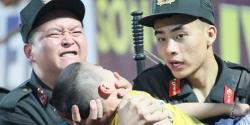 Chiến sỹ cảnh sát cơ động chịu đau, cứu bé trai ngất xỉu trận Nam Định vs HAGL: