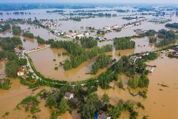 Lũ lụt đang tàn phá kinh tế Trung Quốc ra sao?