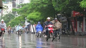 Thời tiết 13/8: Hà Nội mưa dông, chấm dứt nắng nóng