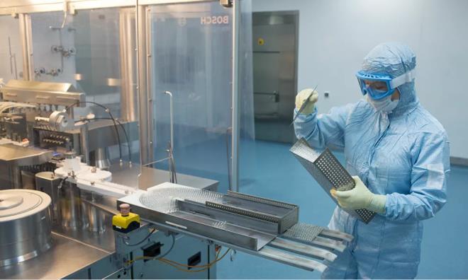 Ảnh: Bên trong nhà máy sản xuất vaccine COVID-19 đầu tiên của Nga - 11
