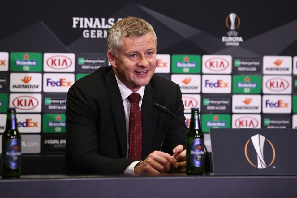solskjaer man united can quen that bai truoc sevilla