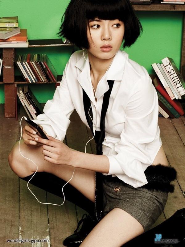 Loạt thần tượng K-Pop đánh mất tuổi thơ khi debut ở tuổi 14 ngây ngô-8