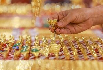 Giá vàng 22/8: Vàng tăng giảm thất thường