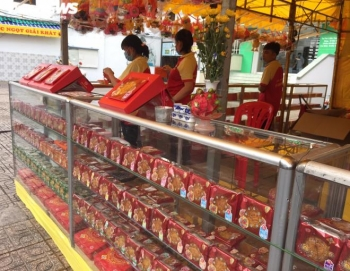 Thị trường bánh Trung thu mùa dịch: Tiểu thương Sài Gòn lạc quan, không lo ế