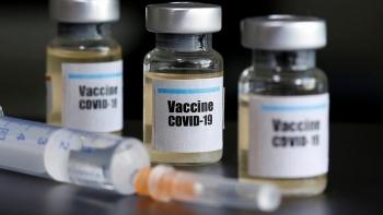 Mỹ sẽ cấp phép vaccine COVID-19 trước bầu cử?