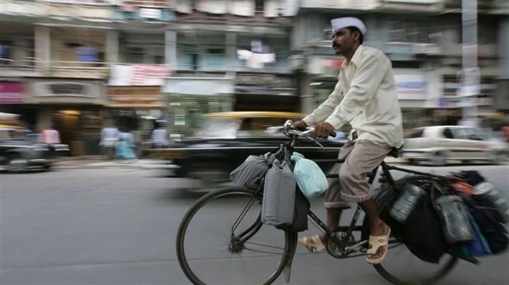 Mạng lưới giao đồ ăn 130 năm tuổi ở Ấn Độ trong đại dịch