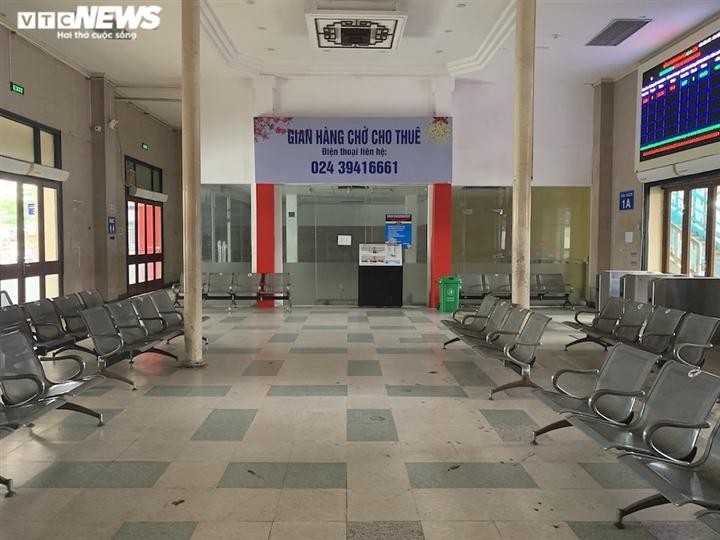 Ảnh: Dịch vụ trong ga tàu Hà Nội 'đóng băng', chết đứng giữa mùa dịch - 4